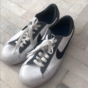 Men's Nike sneakers size 7.5